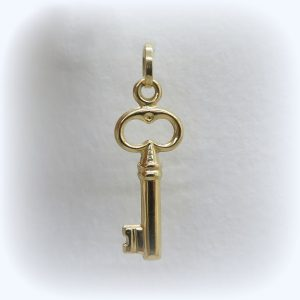 ciondolo chiave in oro