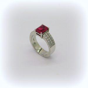 Anello fascia pietra rossa in argento 925 pavè zirconi