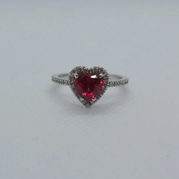 Anello argento 925 centro cuore rosso