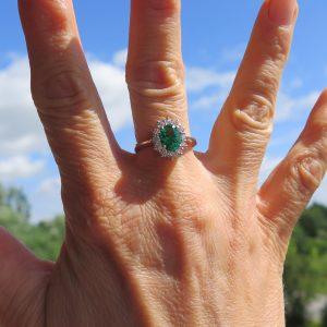Anello contorno in argento 925 centro verde color smeraldo